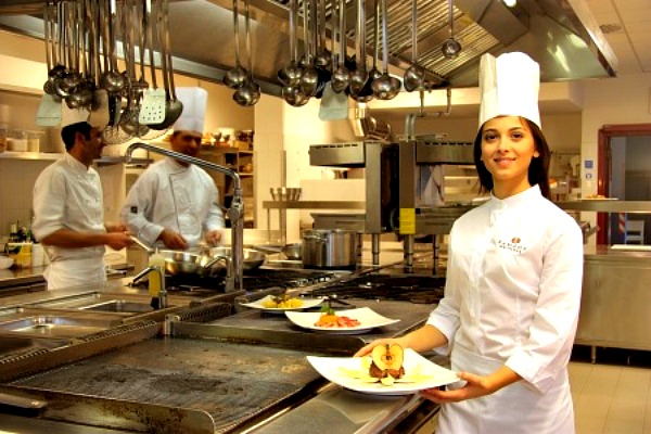 Leasing Catering Equipment - FrizeMedia