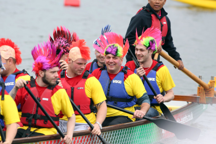 #DragonBoatRacing – Trendy #Corporate #TeamBuilding #Event #FrizeMedia