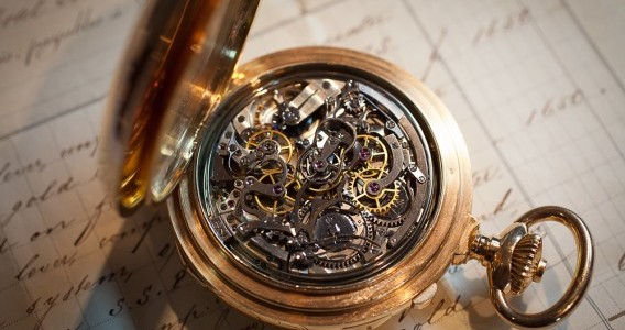 Antique And Gold Watches #Timepiece #FrizeMedia