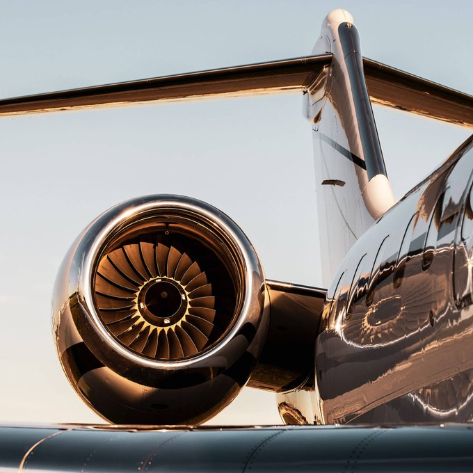 Private Jet Charter - Perfect For Honeymoons #PrivateJet #FrizeMedia