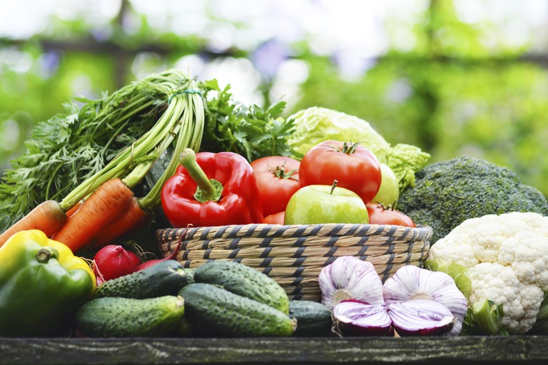 FrizeMedia - A raw food diet means consuming food in its natural, unprocessed form.