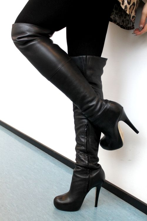 Womens Shoes - Womens Dress Boots And Casuals #FrizeMedia